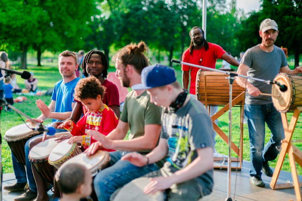 Band-mit-Schülerkindern
